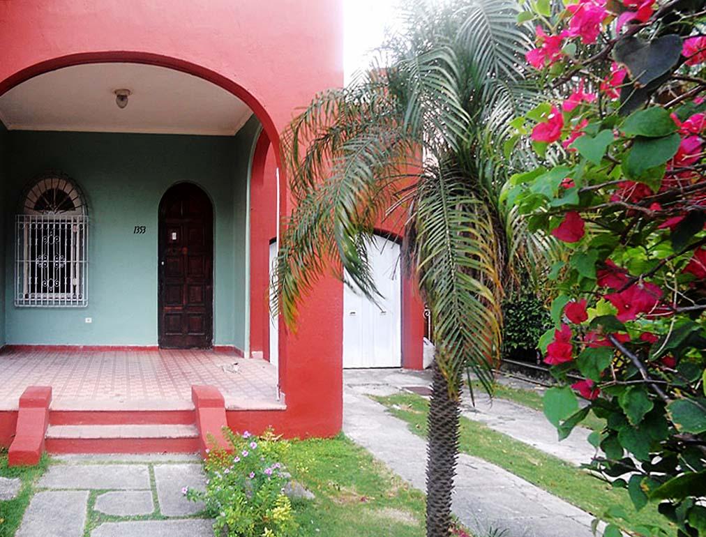 Haifa 39 s house havana vedado cuba junky casa particular for Casa mansion los jardines havana